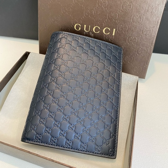 Gucci Other - Brand New: Gucci GG Logo Vertical Passport Case